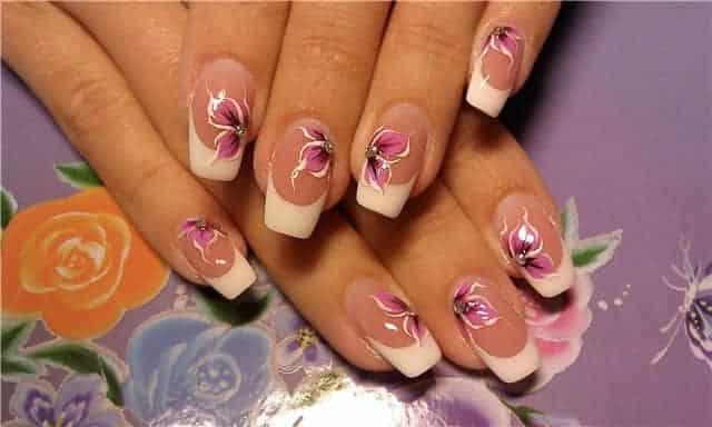 Diseños de uñas con flores bonitas04