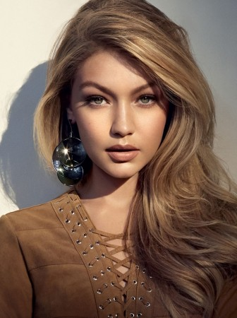 Gigi-Hadid-Hair-Colors-for-2016-Winter1