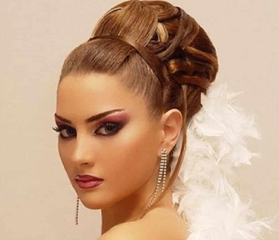 Peinados recogidos elegantes para gorditas