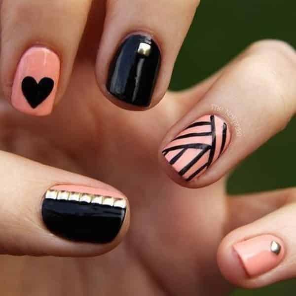 uñas decoradas negro y rosa