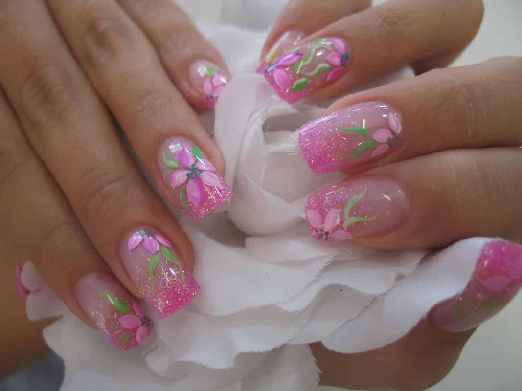 Uñas-de-gel-y-uñas-acrílicas-3