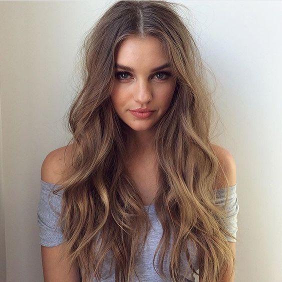 cabello largo con reflejos ondulado