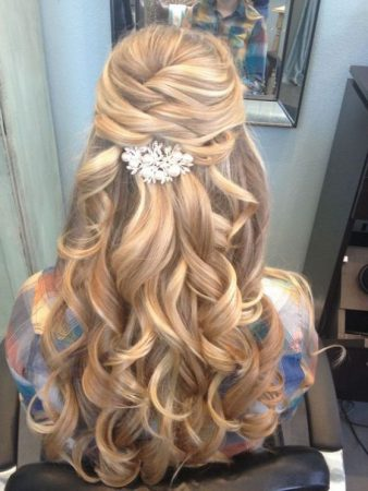 cabello-largo-y-ondulado-para-graduacion