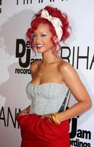 cabello rojo rihanna
