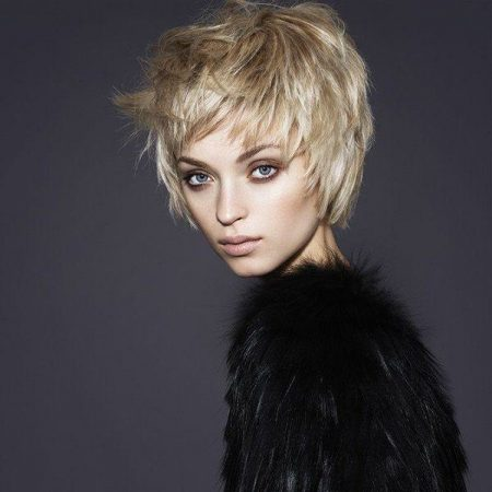 cortes de pelo corto otono invierno desestructurado rubio 600x600