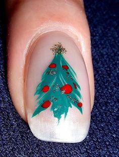 decoracion-de-unas-arbol-de-navidad