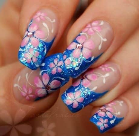 diseños de uñas con flores 3d