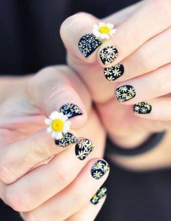 diseños de uñas de flores