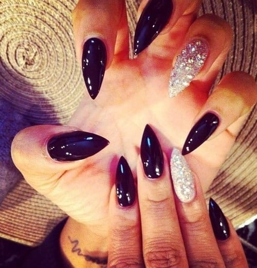 false-nails