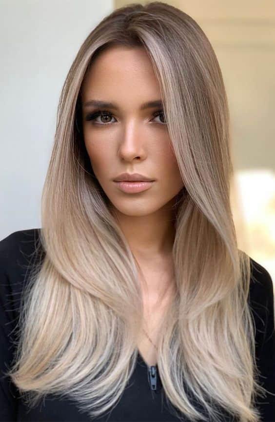 mechas beige en cabello largo