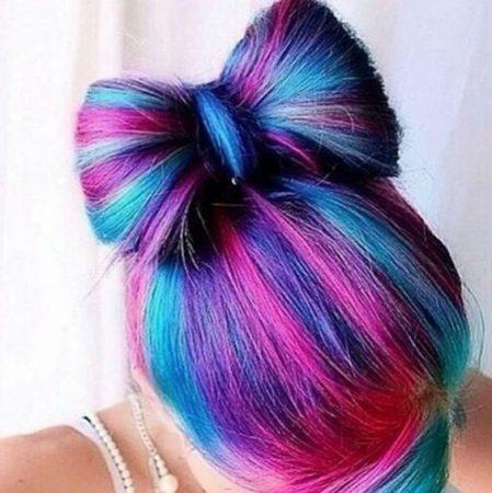 mechas de colores fucsia rosa azul
