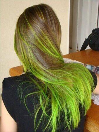 mechas de colores verde