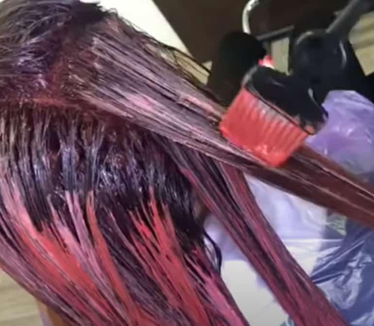 mechas rojas con pincel
