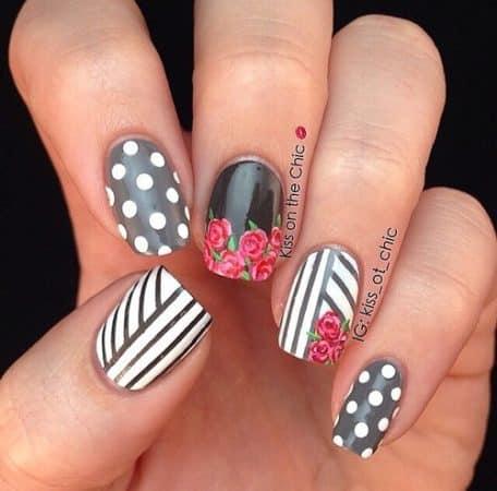 nail art flores y puntos