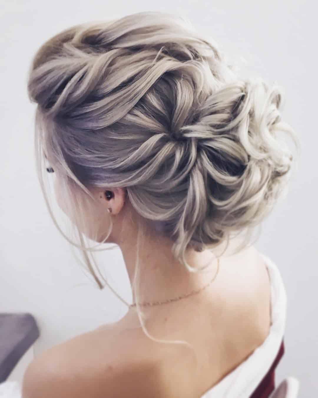 Peinados de novia estilo romantico