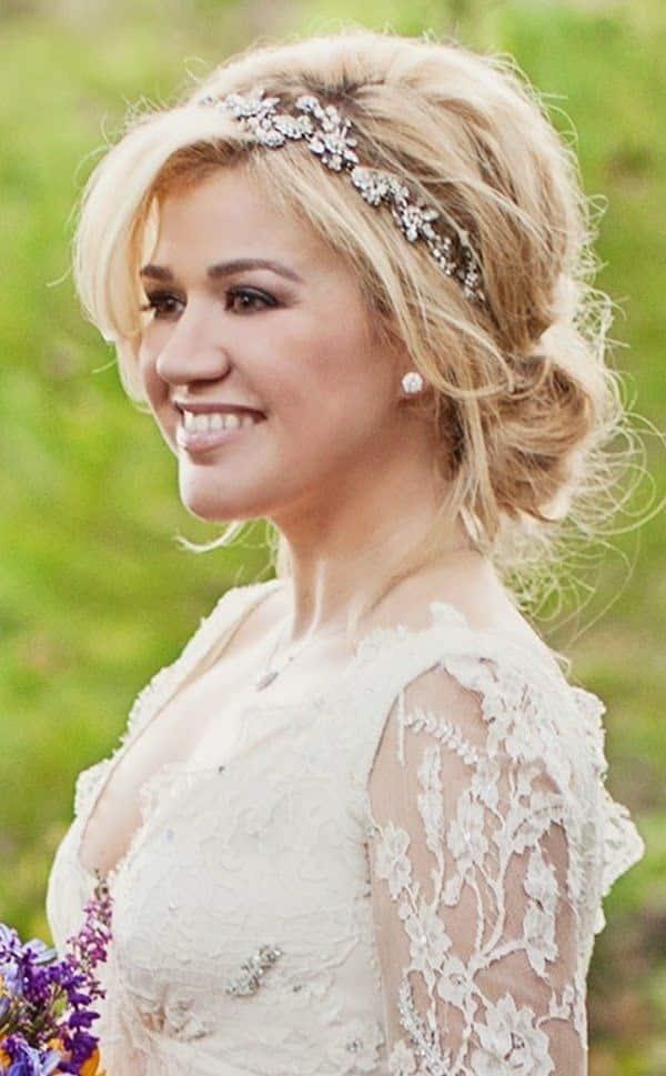 Peinados para novias cachetonas