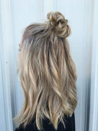 peinados con ondas half up bun