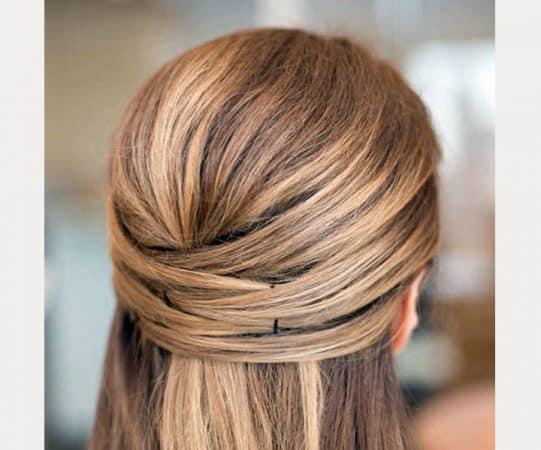 peinados cruzados media cola cabello corto