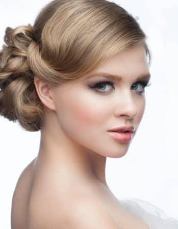 peinados-para-cara-redonda-frente-grante