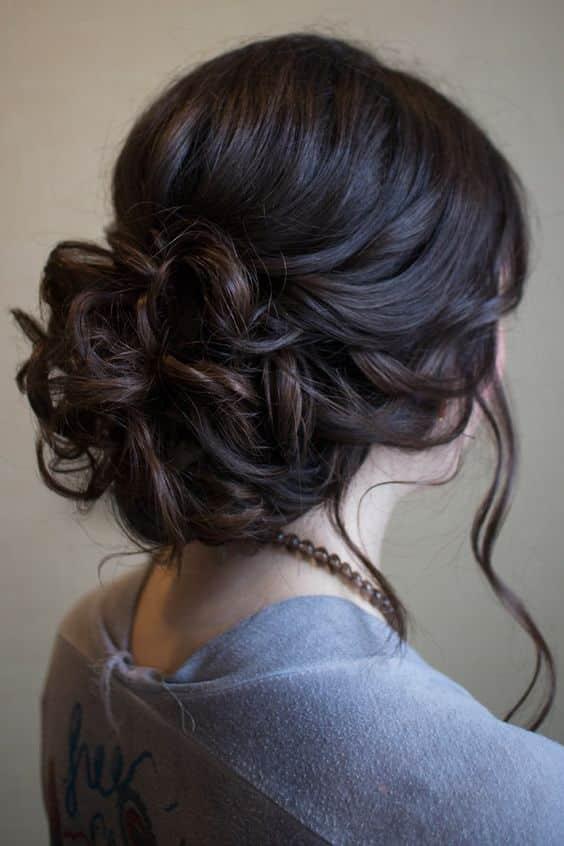 Peinados de noche recogidos de lado