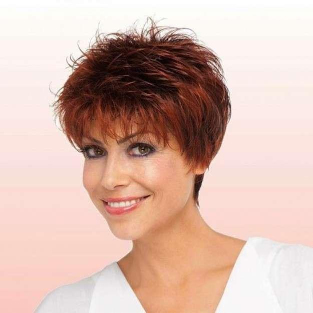 Cortes dama cabello corto ondulado