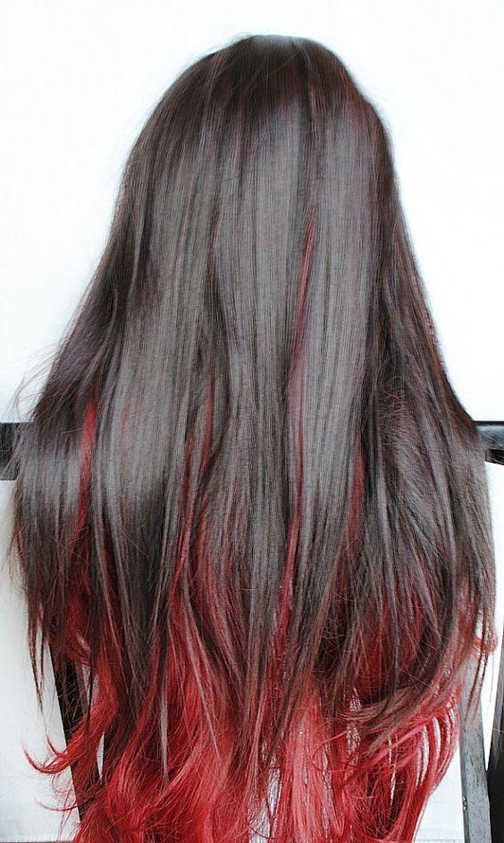 Mechas rojas en las puntas