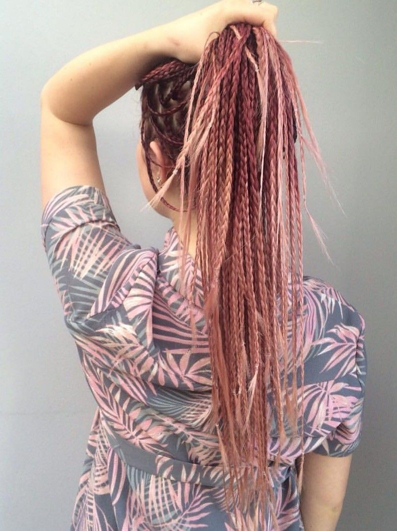 Trenzas rosadas