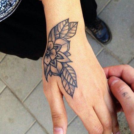 tattoo para mujeres en las manos