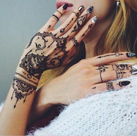 tatuajes bohemios para chicas 39