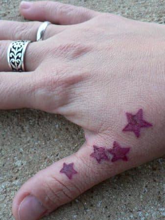 tatuajes de estrellas en la mano 4