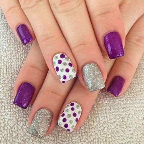 diseños de uñas con puntos y lineas