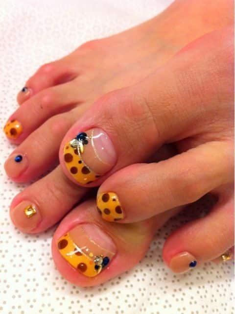 unas decoradas para pies foot nails uñas punta naranja lunares