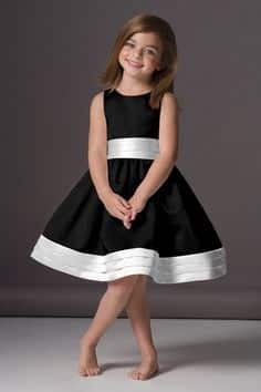 Vestido negro corto nina