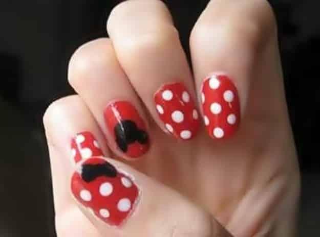 disenos-unas-en-casa-polka-dots-rojo-y-blanco