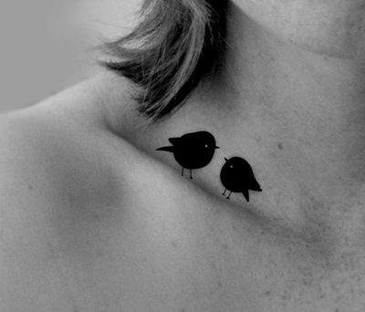 tatuaje clavicula