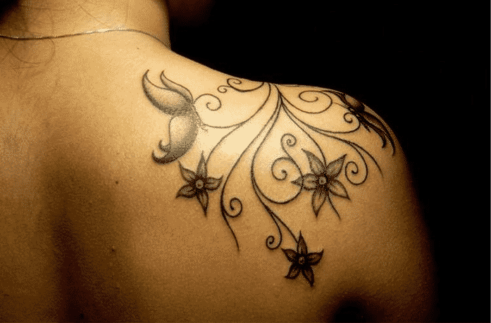 tatuaje-hombro-mujer