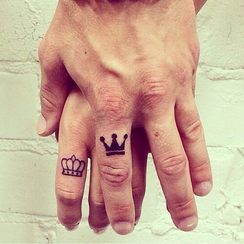 tatuajes-de-coronas-pequeñas1