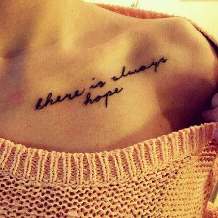 tatuajes en la clavicula frases largas