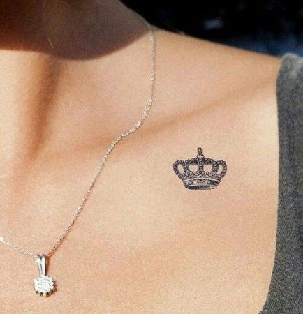 tatuajes en la clavicula pequenos