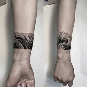tatuajes japoneses en el brazo mujeres pequeno