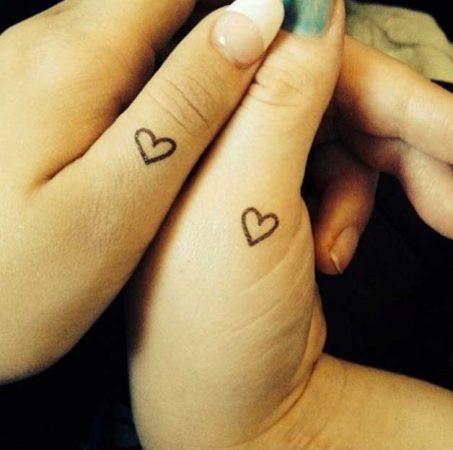 tatuajes solo para mejores amigas dedos